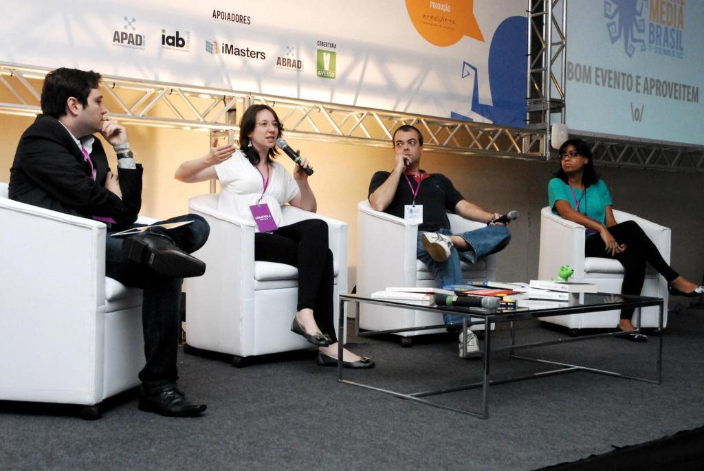 Em 2012, palestrando no Social Media Brasil.